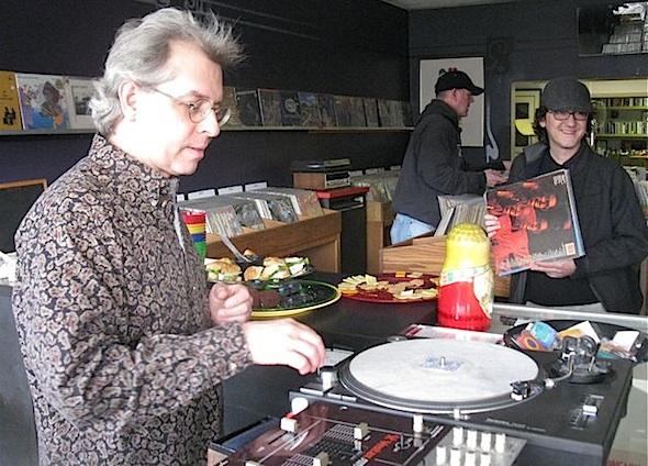vinyl3-590