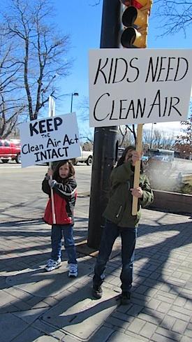 <cutline>Kids for clean air</cutline>
