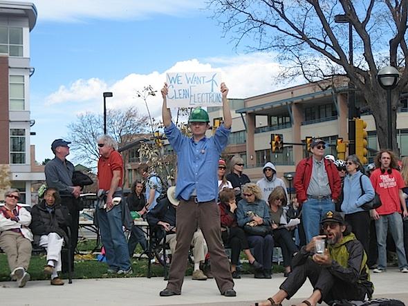 sign-guy-at-350-rally