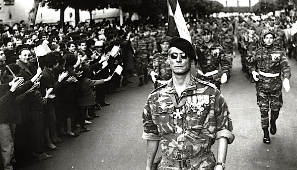 <strong>Scene from the movie <em>The Battle of Algiers</em></strong>